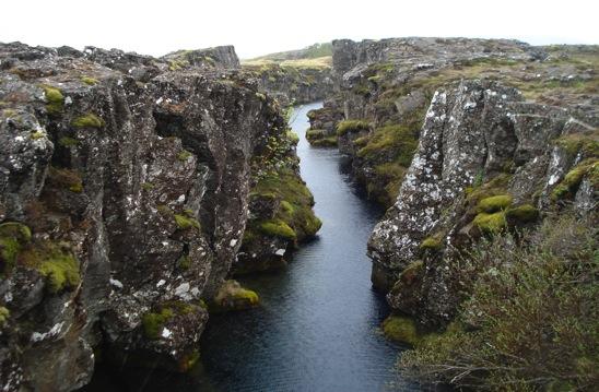 Chutes d'eau sur la rivière hvítá. hauteau: 32 m, largeur: 70 m